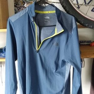 North Face 1/4 zip pullover. Size medium